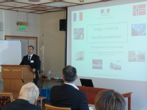 François-Xavier Lannuzel, attaché scientifique, a présenté les actions de l'ambassade aux acteurs de la recherche norvégiens.